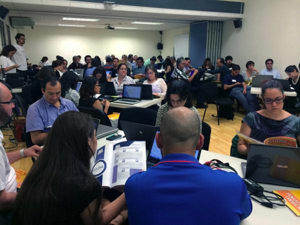 Camila Salazar & Julio Lopez, 2015 School of Data Fellows, organised a series of workshops in Latin America